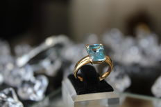 750 Gold Disigned Ring with 4 Ct Perfect Blue Topaz RS 17,6mm ∅ / 55 / US 7,5 * No reserve price *