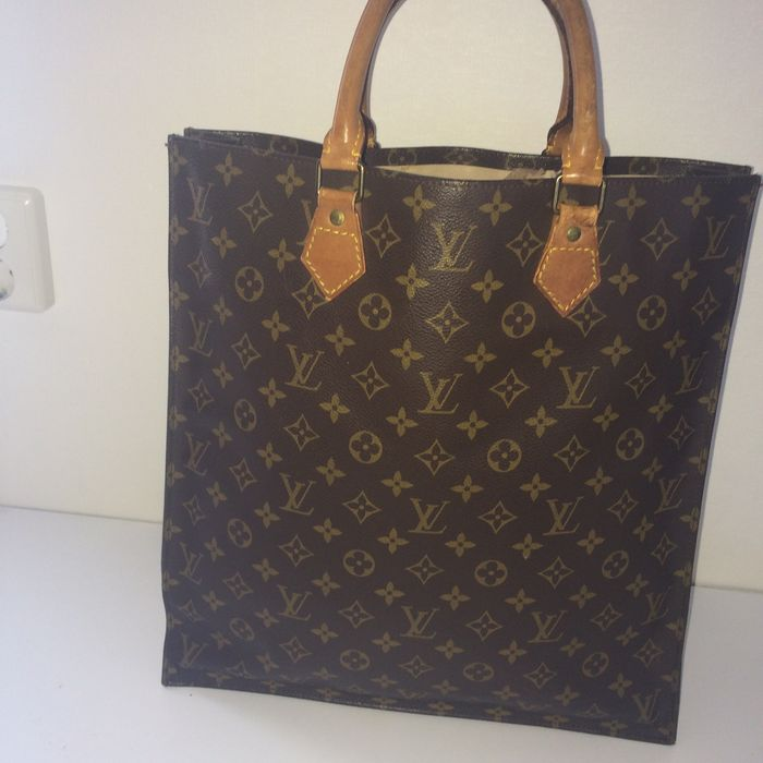 2e8bc0c4e032 Louis Vuitton – Sac Plat – Tote   Shopper   Handbag - Catawiki