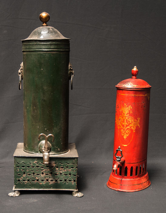 Two beautiful lacquered coffee urns - Holland - 19th century