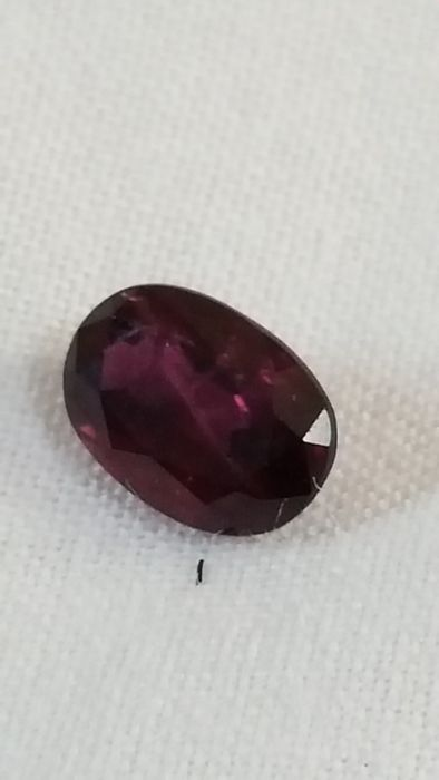 Rubino dark tone 0,70 ct