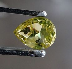 Diamond, vivid green yellow, 1.00 ct