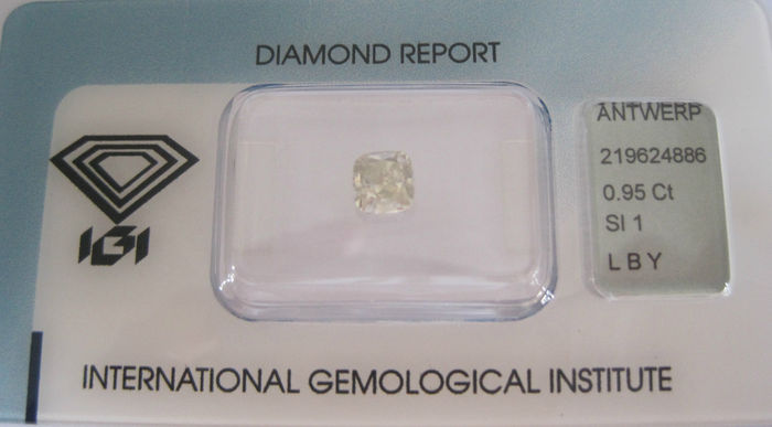 0.95 ct Cushion Cut Diamond Light Brownish Yellow SI1 IGI