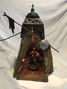 Viennese bronze - presumably from Atelier Franz Xavier Bergmann (1861 – 1936) - a cold painted bronze sculptural lamp: Arab in tent - Vienna - circa 1900