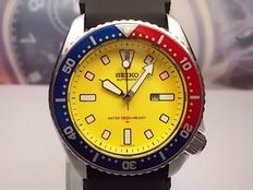 SEIKO 150M DIVERS AUTOMATIC scuba divers wrist watch, model 4205-0156, 'PEPSI' bezel c.1980/90s