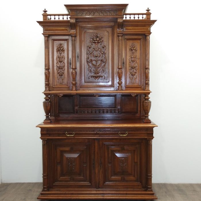 Grand buffet de style Renaissance France circa 1870