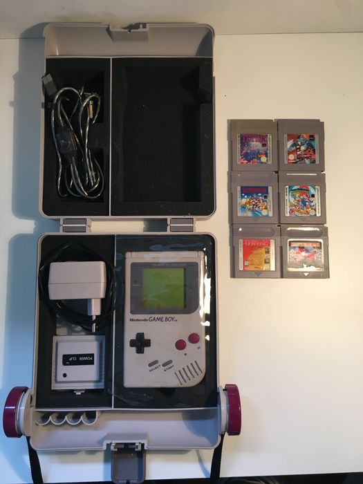 Nintendo Game Boy Classic DMG-01 console with 9 games and Gameboy Game case plus charger ...