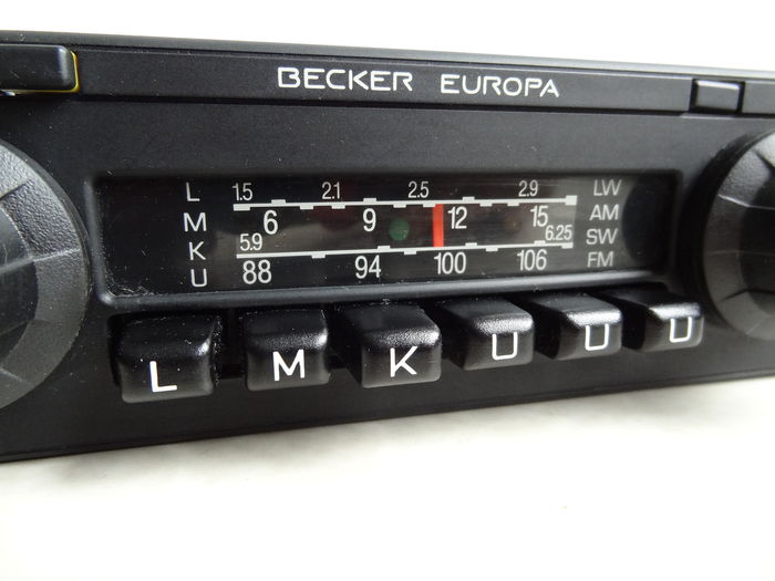 becker europa autoradio stereo oldtimer mercedes w123. Black Bedroom Furniture Sets. Home Design Ideas