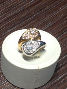 White and yellow gold ring with 2 central diamond 0.15 ct