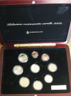 Finland – Year collection Euro coins 2002 including gold token