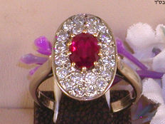 18 kt diamond and ruby ​​ring.
