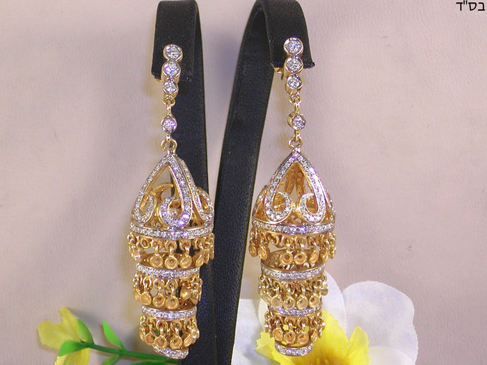 Diamond chandelier earrings 4.21 ct.