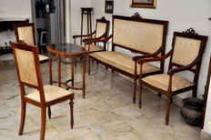 A Neoclassical style mahogany 7 piece suite - Italy - late 19th century