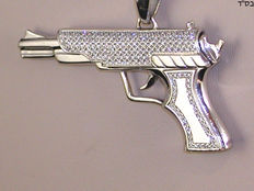 Men's pistol pendant, set with diamond – 2.90 ct in total