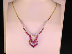 Diamond (1.6ct) and ruby (2.68ct) necklace