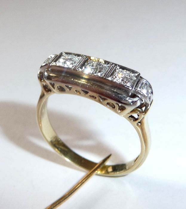 bague or style antique