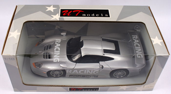 ut models scale 1 18 porsche 911 gt1 street version. Black Bedroom Furniture Sets. Home Design Ideas