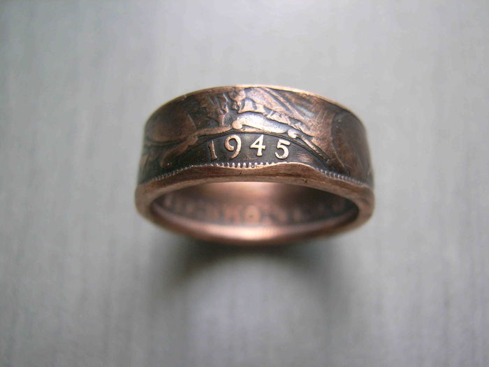 Ring made of a One Penny Coin Great Britain 1945 WW2 two-sided