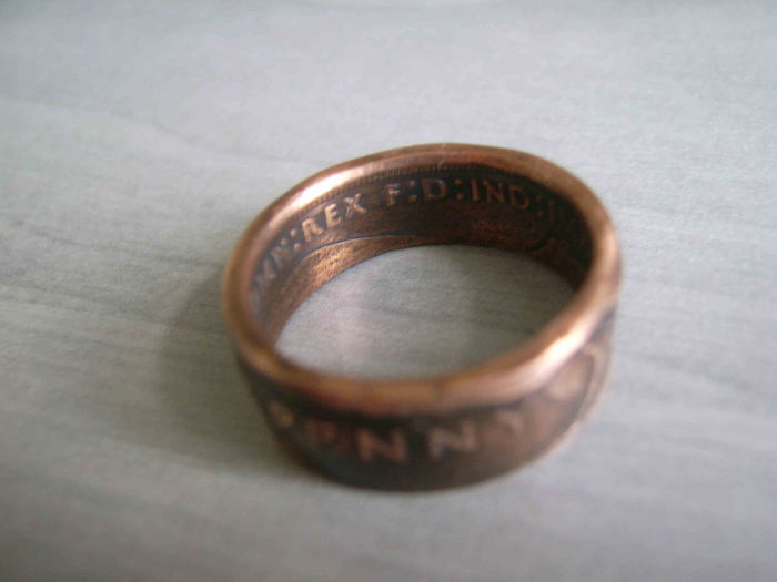Ring made of a One Penny Coin Great Britain 1945 WW2 two-sided ring