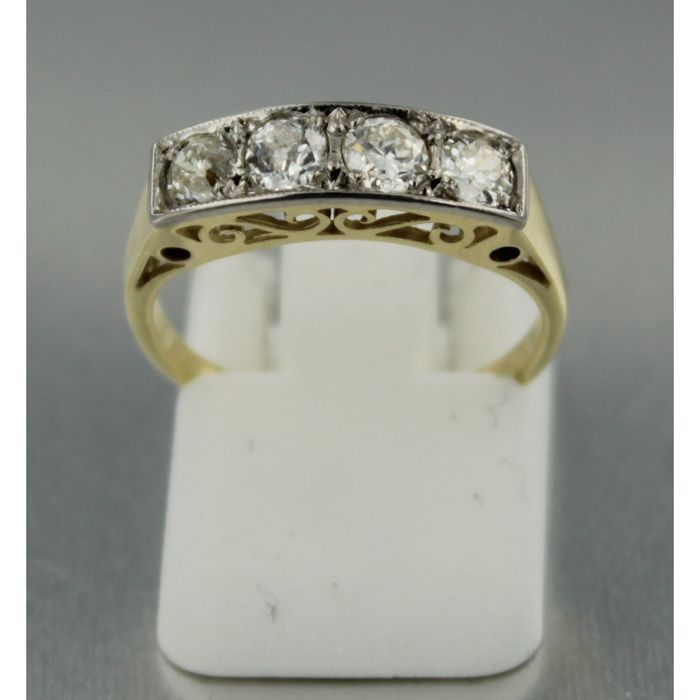 14kt Bicolour row ring with old European cut diamond