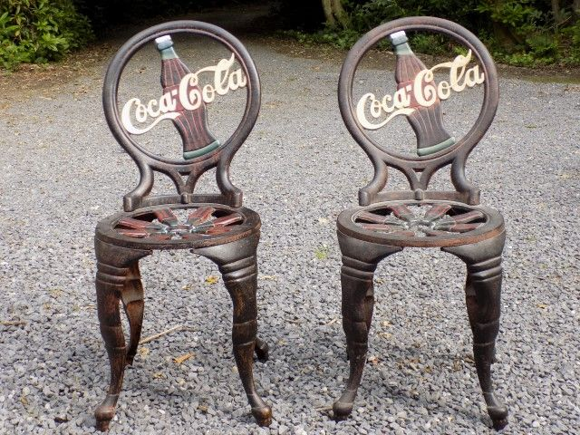 Coca Cola – cast iron chairs - Coca Cola – Cast Iron Chairs - Catawiki