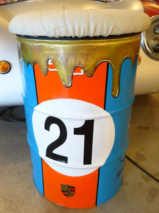 Gulf porsche le mans nr 21 oil drum seat 63 x 41 cm for Motor oil by the barrel