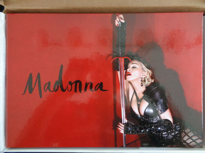 Rebel Heart Tour Vip Limited Edition Book