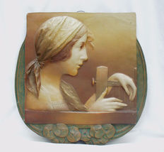 Ernst Wahliss (1837-1900) - Woman at a loom - Large Art Nouveau terracotta wall plate
