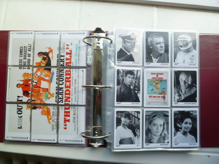 james bond binder with more than 250 collecting trading cards