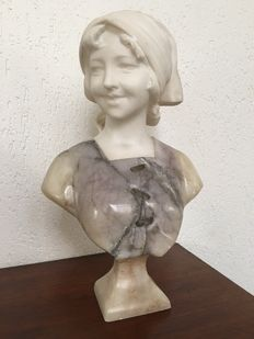 Beautiful marble bust of a young woman - possibly Gustave van Vaerenbergh (1873-1927) - Belgium - circa 1900