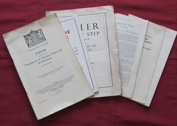 Brochures; Lot with 6 brochures including English government sources, partly translated- 1939/1940