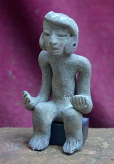 Pre Columbian pottery figurine / idol of a seated figure - 8.3 cm