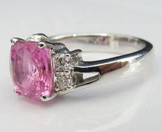 White gold engagement ring with pink sapphire and diamonds Certified GCI