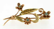 14 kt Yellow Gold Brooch – With Turquoise Gems