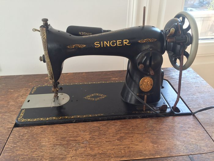 Singer sewing machine table 1938 catawiki singer sewing machine table 1938 watchthetrailerfo