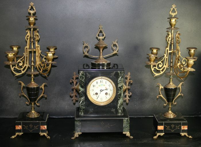 Black marble pendulum with 2 marble candlestick - early 19th century
