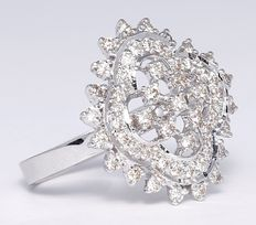 White Gold diamond engagement ring in 14 kt hallmarked white gold.