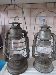 Set of two oil lamps - France - end 19th beginning 20th