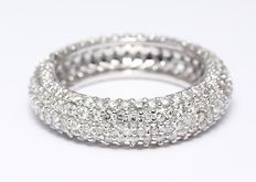3.28 ct  5-row Engagement eternity diamond band ring made of hallmarked 14 kt white gold