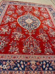 "Densely woven oriental rug ""3.04 x 2.50"