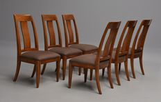 Stanley Furniture, a set of six walnut chairs USA, of recent manufacturing date