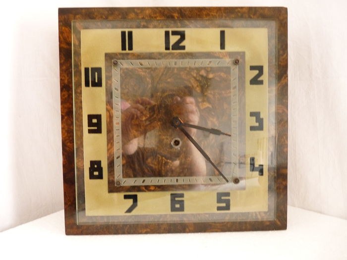 Large Art Deco Wall Clock 1920 1930 Made Of Walnut In Working Condition