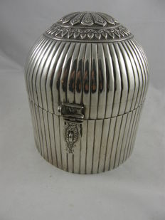 Large, egg-shaped jewelry box with striped and Asian motifs, India, 2nd half of 20th century