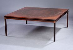 Unknown designer - Exclusive large rose wood coffee table with inlaid copper leaf.