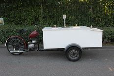 Tripoteur Ice Cream - Classic motor tricycle for ice cream sales - Ca. 1960's
