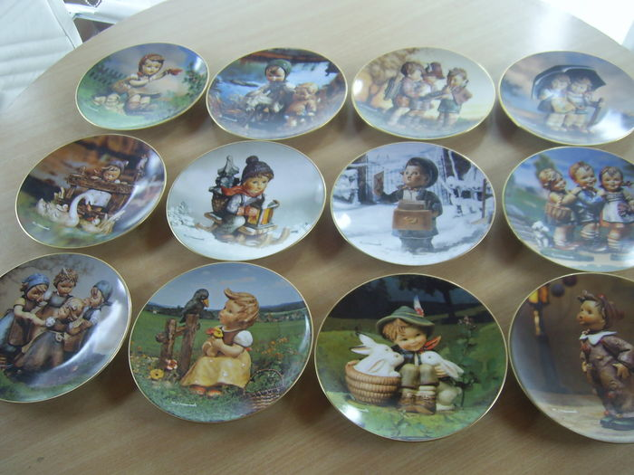 """Complete collection 12 collectable plates Hummel """"Through the whole year """" with documentation and certificate"""