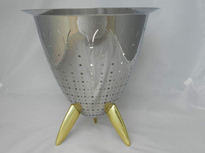 Philippe Starck For Officina Alessi Max Le Chinois Colandervase