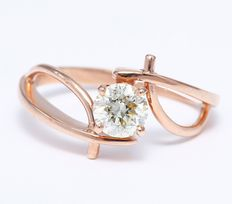 0.70 ct Solitaire diamond ring in 14 kt stamped rose gold