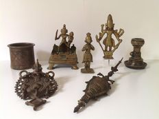 Lot of 8 pieces of bronze - India - 17th/19th century