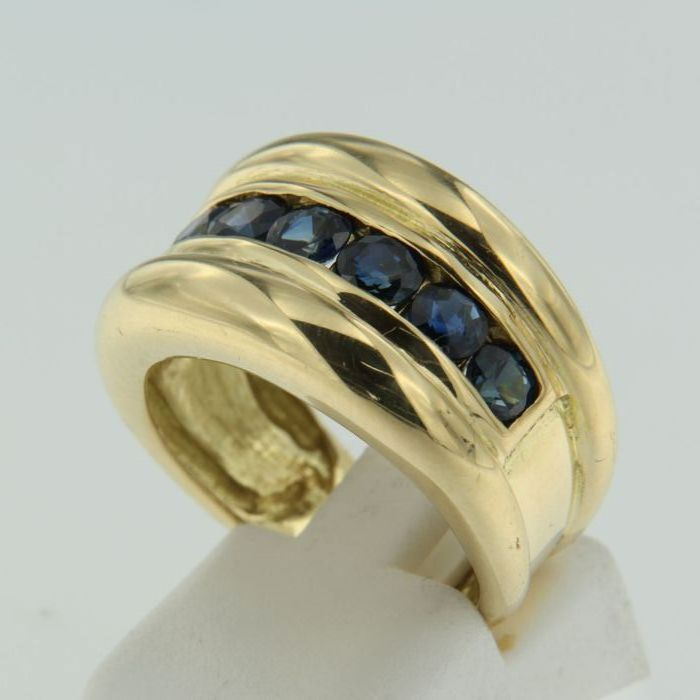 Large 18 kt yellow gold women's ring set with 7 brilliant-cut sapphires – Weight 9.7 g