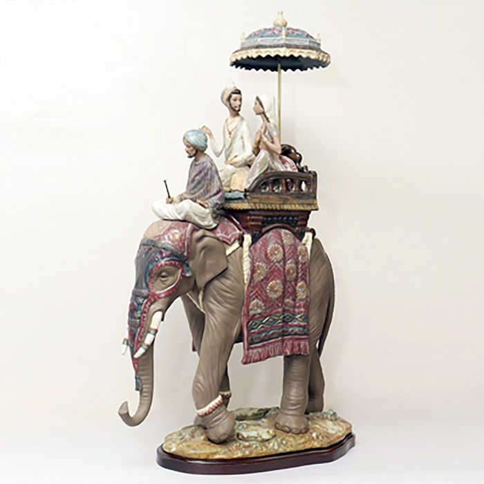 "Lladró - Vincente Martinez - ""Road to Mandalay"" Limited Edition no.320 - 55cm"